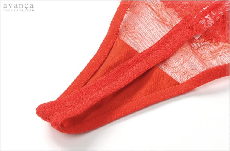 クロッチ(ショーツの股)部分は、当て布付きの二枚仕立て。普段にもお使い頂けるショーツです。このクロッチ部分のみ透け感がありません。