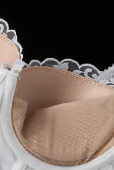 画像11: 純白サテンが艶めくスリップドレス&タンガ(3/4カップブラ・取り外しパッド付き・白×ベージュ)[OB9874]【送料無料・即日発送】輸入下着・ランジェリー (11)