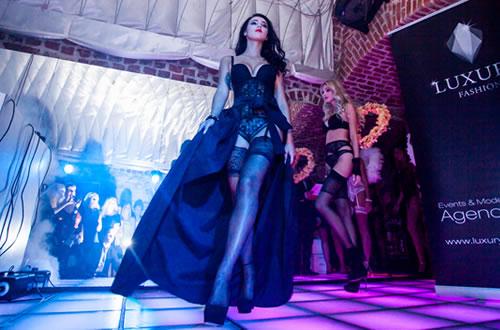 ラグジュアリーファッションが主催しポーランドで開催されたエヴァビアンのランジェリーショ  ー