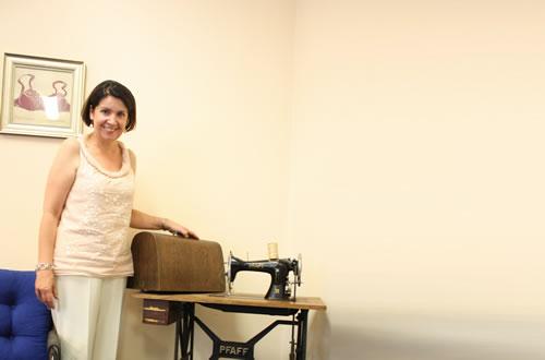 サブレン創業のきっかけにもなった古いミシンは、レナタが母から受け継いだもの。