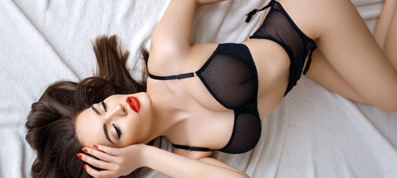 Sensual fashionista AYA  秋冬のセクシーな装い