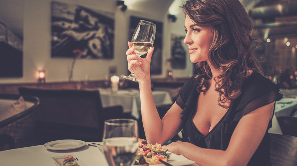 バレンタインデーの前日はレストランの予約が多い?