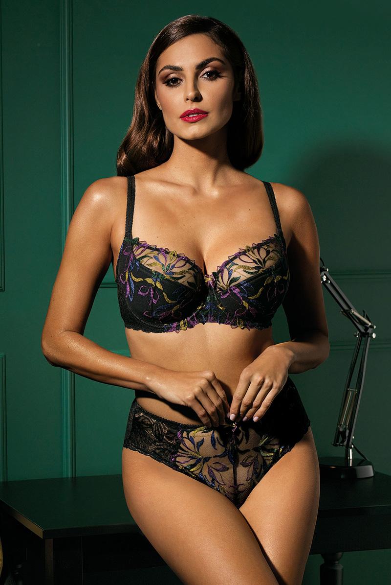 Ewa bien エヴァビアン 一枚レースブラ JASMIN black B139 モデル画像