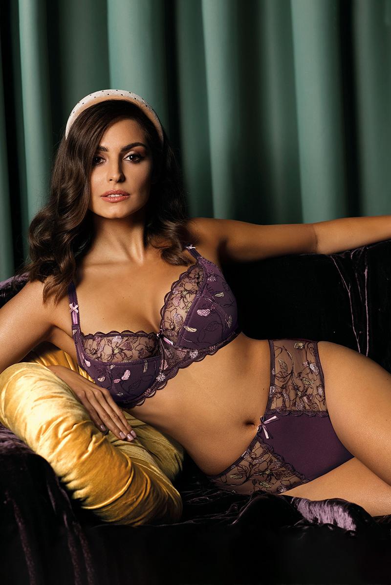 Ewa bien エヴァビアン ハイウエストショーツ PROMES violet C124 モデル画像