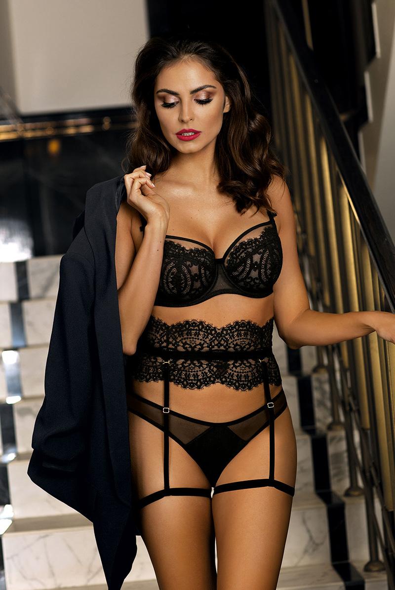 Ewa bien エヴァビアン 一枚レースブラ BLANCHE black B104 モデル画像