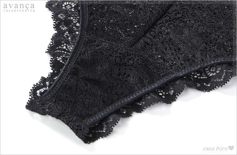 クロッチ(ショーツの股部分)はコットン素材の当て布が付いた2枚仕立てです。