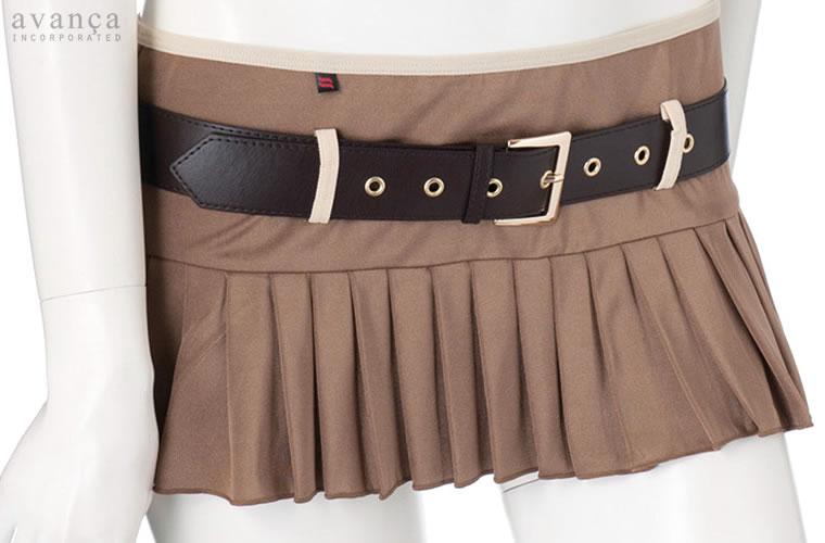 ベルト付きミニスカートです。付属のベルトでサイズ調節が可能です。