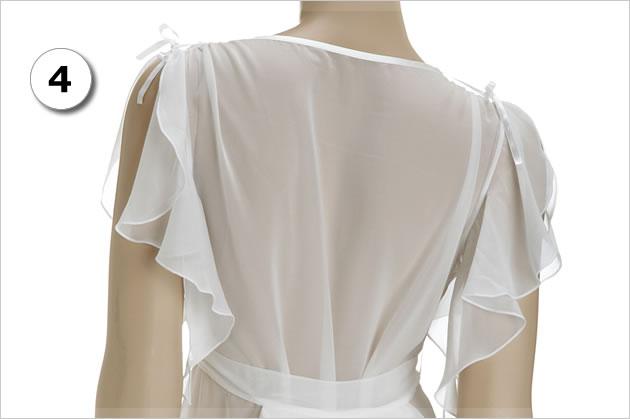 涼しげなメッシュ素材が背中全体をカバーし、汗をかいてもサラサラ快適です。