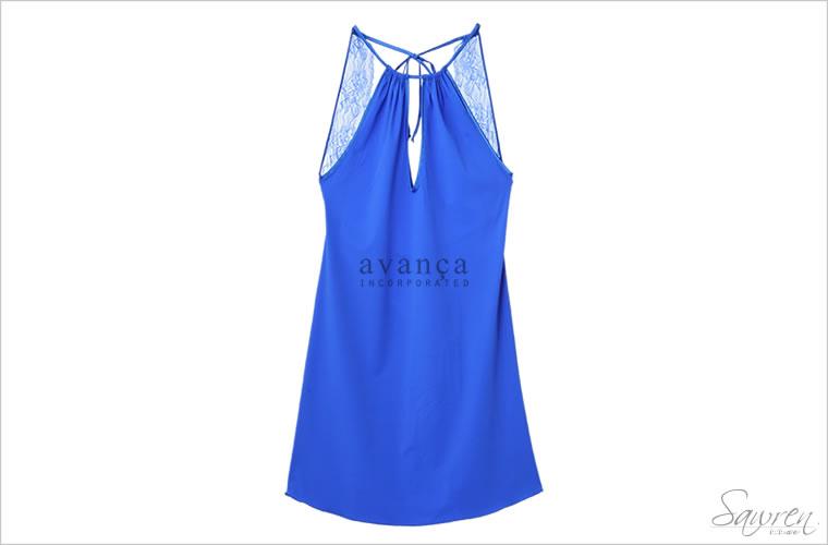オープンバック&ホルターネックのスリップドレス。上品レディになれる美しいロイヤルブルーのカラーです。