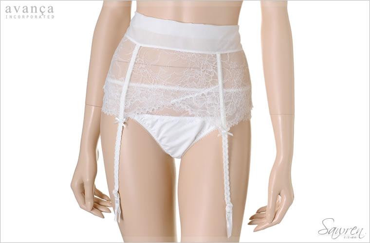 繊細なホワイトローズのモチーフが素肌に浮かび上がり透明感を引きだします。お肌に馴染むクリームカラー。伸びの良いストレッチ素材で締め付け感がなくストレスフリーな着け心地です。