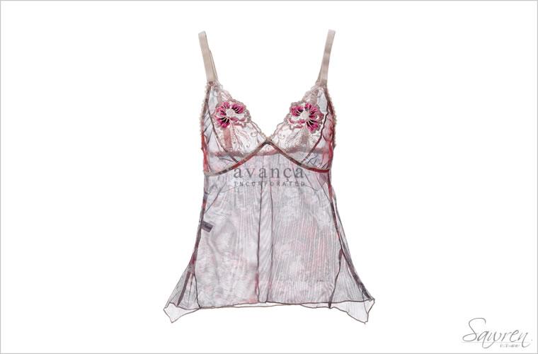 美しい刺繍とフラワープリントのキャミソール。豊潤な色と色が美しさを作り出します。